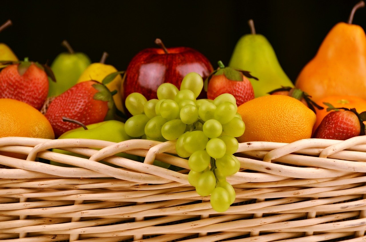 fruit basket, grapes, apples